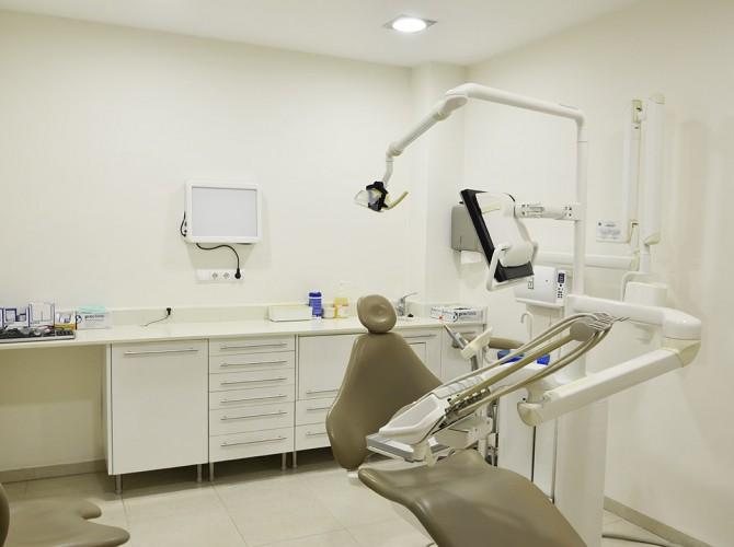 Gabinete de la Clínica dental Cueva Goig
